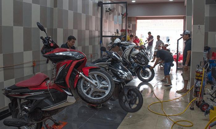khó khăn khi mở tiệm rửa xe máy