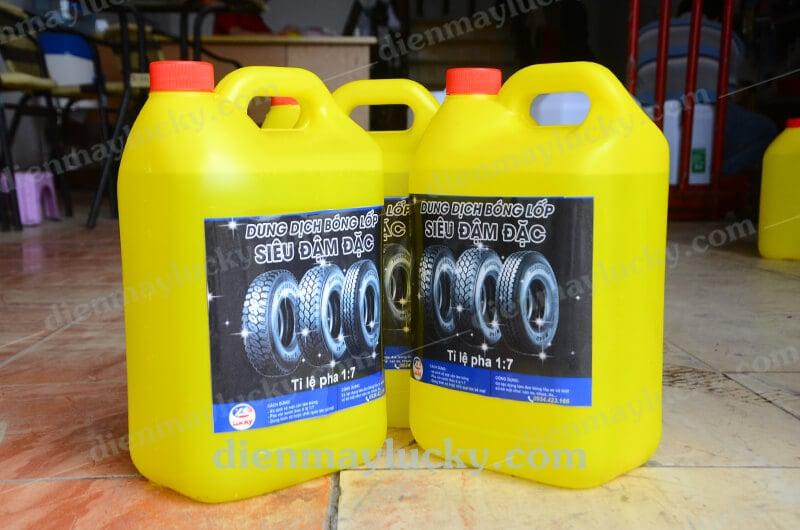 chai xịt đen bóng và bảo dưỡng lốp xe